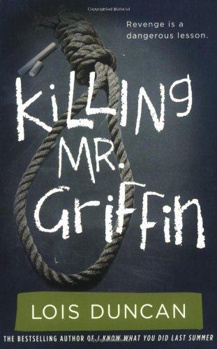 a comparison of susan and betsy from killing mr griffin by lois duncan
